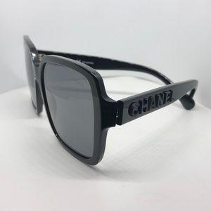 ♥️ Chanel Black Polarized Square Sunglasses